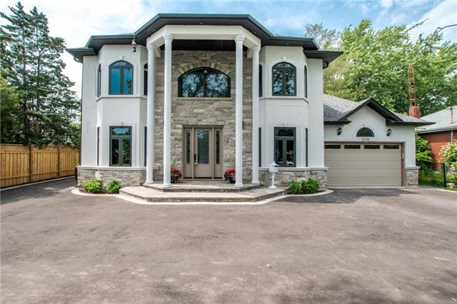 Detached at 1379 Rebecca St, Oakville, Ontario. Image 12