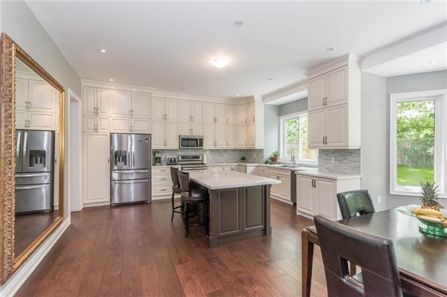 Detached at 1379 Rebecca St, Oakville, Ontario. Image 19