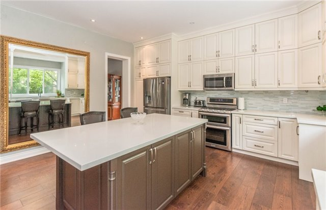 Detached at 1379 Rebecca St, Oakville, Ontario. Image 20