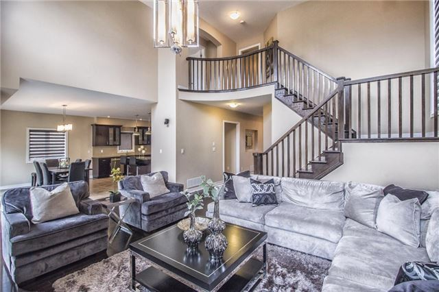 Detached at 3198 Saltaire Cres, Oakville, Ontario. Image 16
