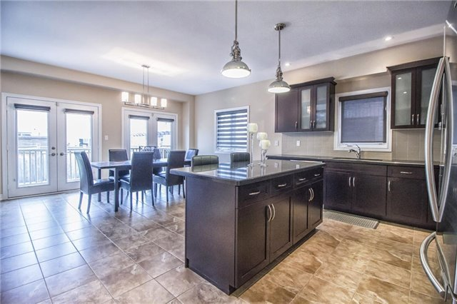 Detached at 3198 Saltaire Cres, Oakville, Ontario. Image 19