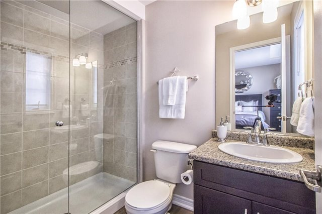 Detached at 3198 Saltaire Cres, Oakville, Ontario. Image 6