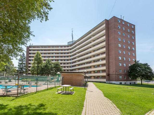 Condo Apartment at 3555 Derry Rd E, Unit 103, Mississauga, Ontario. Image 12