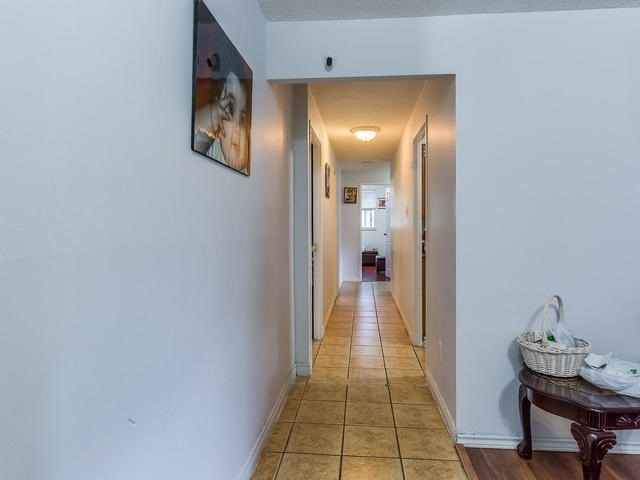Condo Apartment at 3555 Derry Rd E, Unit 103, Mississauga, Ontario. Image 16