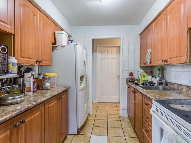 Condo Apartment at 3555 Derry Rd E, Unit 103, Mississauga, Ontario. Image 19
