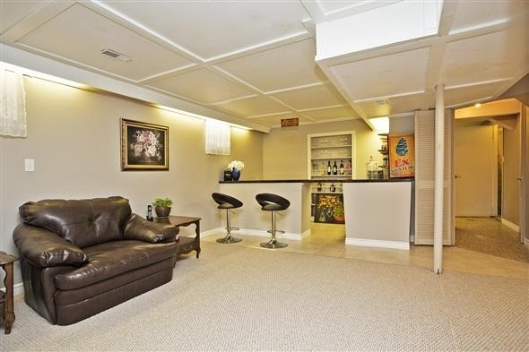Semi-detached at 3297 Grechen Rd, Mississauga, Ontario. Image 4