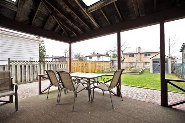 Semi-detached at 3297 Grechen Rd, Mississauga, Ontario. Image 5