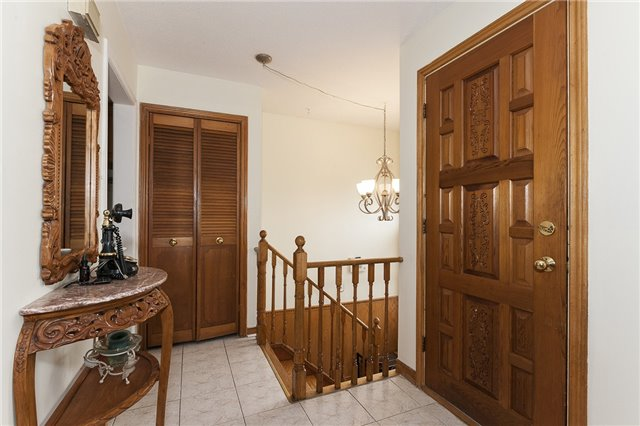 Semi-detached at 55A Terry Dr, Toronto, Ontario. Image 15