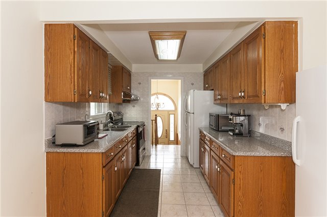 Semi-detached at 55A Terry Dr, Toronto, Ontario. Image 16