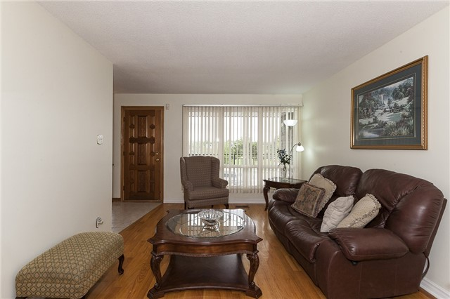Semi-detached at 55A Terry Dr, Toronto, Ontario. Image 18