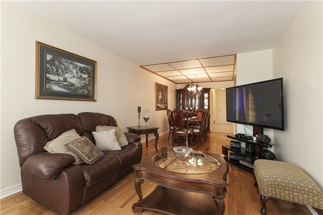 Semi-detached at 55A Terry Dr, Toronto, Ontario. Image 19