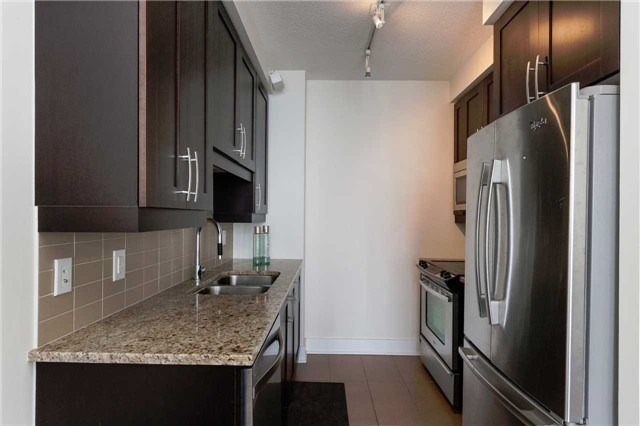 Condo Apartment at 4070 Confederation Pkwy E, Unit Lph4505, Mississauga, Ontario. Image 15