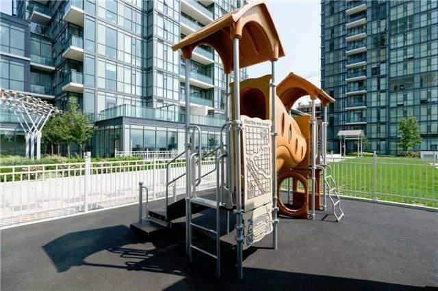 Condo Apartment at 4070 Confederation Pkwy E, Unit Lph4505, Mississauga, Ontario. Image 5