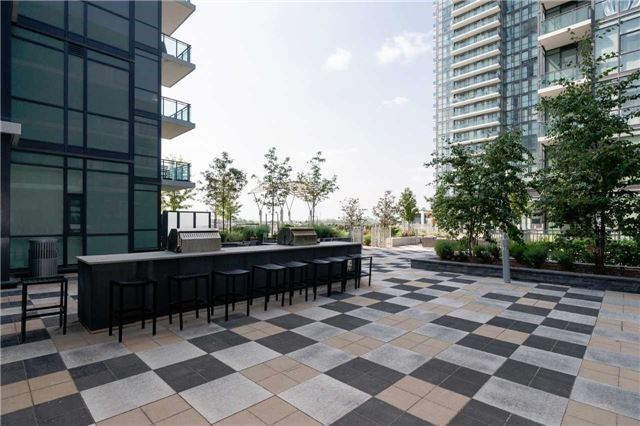 Condo Apartment at 4070 Confederation Pkwy E, Unit Lph4505, Mississauga, Ontario. Image 6