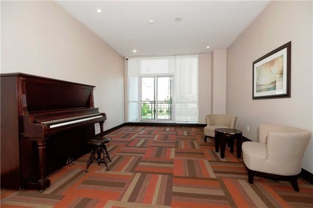 Condo Apartment at 4070 Confederation Pkwy E, Unit Lph4505, Mississauga, Ontario. Image 9