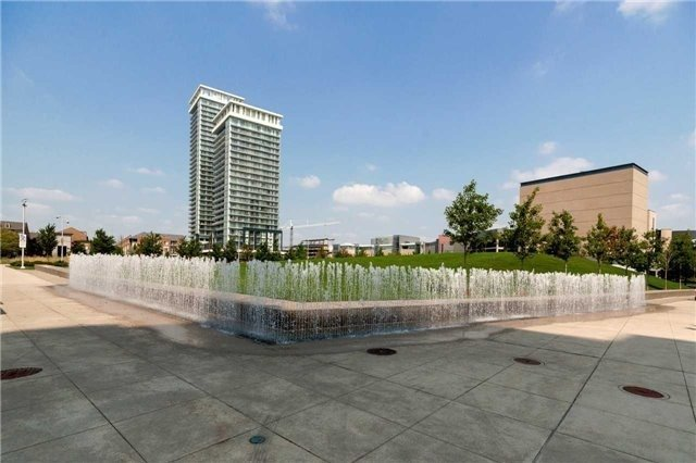Condo Apartment at 4070 Confederation Pkwy E, Unit Lph4505, Mississauga, Ontario. Image 11