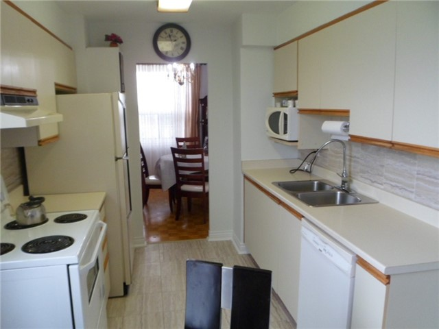 Condo Apartment at 511 The West Mall, Unit 512, Toronto, Ontario. Image 16