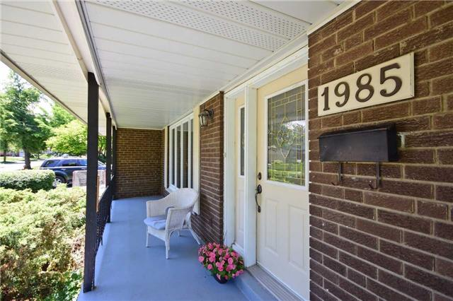 Detached at 1985 Lenarthur Dr, Mississauga, Ontario. Image 8