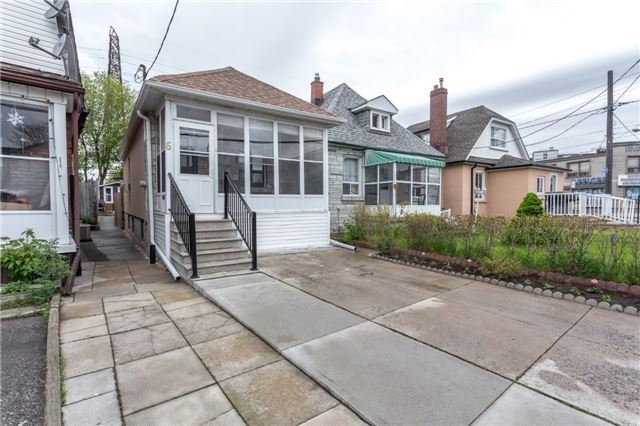 Detached at 6 Florence Cres, Toronto, Ontario. Image 12