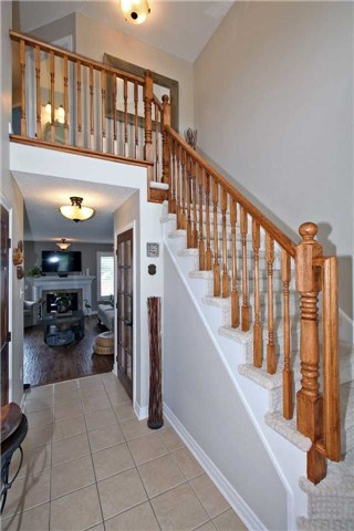 Semi-detached at 546 Sandcherry Dr, Burlington, Ontario. Image 14