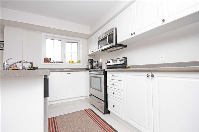 Condo Townhouse at 2441 Greenwich Dr, Unit 24, Oakville, Ontario. Image 7