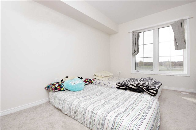 Condo Townhouse at 2441 Greenwich Dr, Unit 24, Oakville, Ontario. Image 8