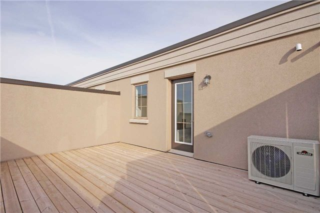 Condo Townhouse at 2441 Greenwich Dr, Unit 24, Oakville, Ontario. Image 12