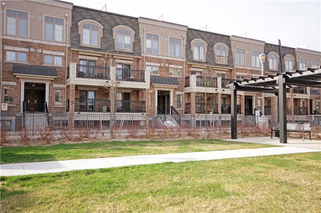Condo Townhouse at 2441 Greenwich Dr, Unit 24, Oakville, Ontario. Image 4