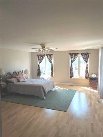 Detached at 2954 Tradewind Dr, Mississauga, Ontario. Image 4