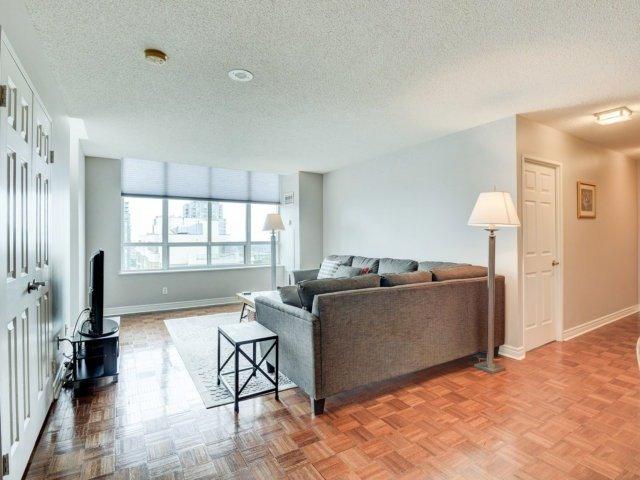 Condo Apartment at 156 Enfield Pl, Unit 2903, Mississauga, Ontario. Image 15