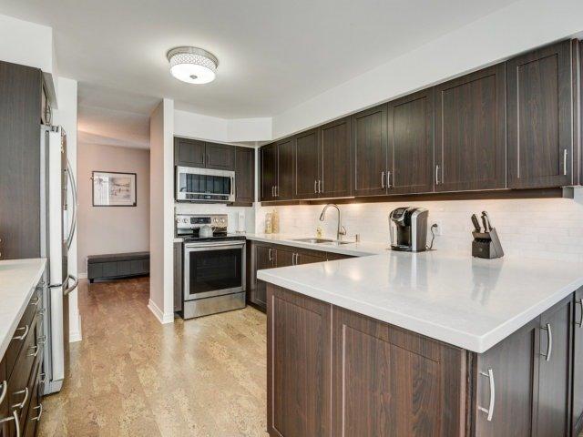 Condo Apartment at 156 Enfield Pl, Unit 2903, Mississauga, Ontario. Image 20