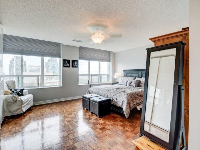Condo Apartment at 156 Enfield Pl, Unit 2903, Mississauga, Ontario. Image 2