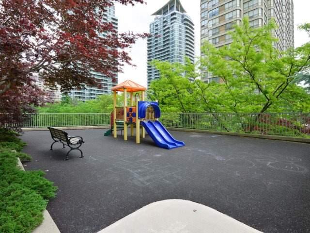 Condo Apartment at 156 Enfield Pl, Unit 2903, Mississauga, Ontario. Image 10