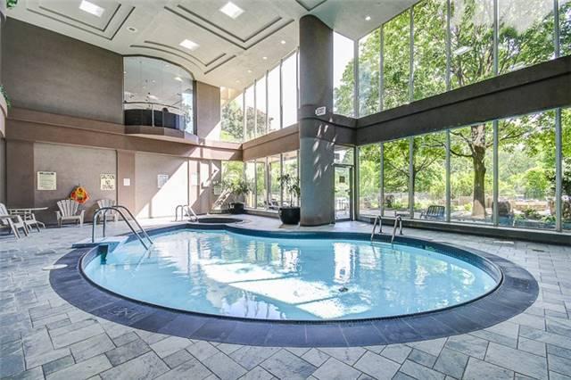 Condo Apartment at 50 Eglinton Ave W, Unit 1601, Mississauga, Ontario. Image 8