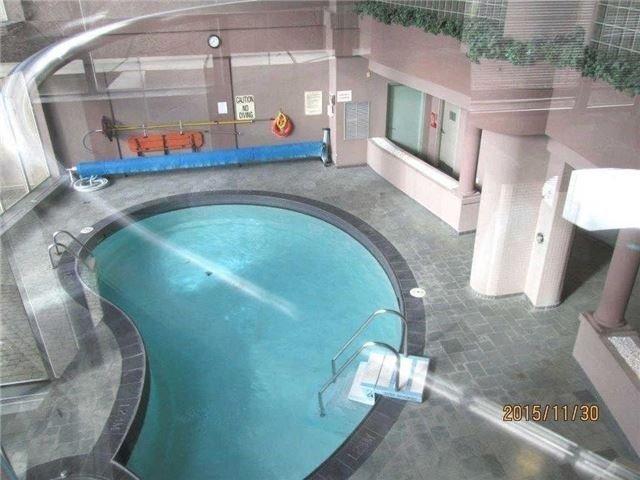 Condo Apartment at 50 Eglinton Ave W, Unit 1601, Mississauga, Ontario. Image 9