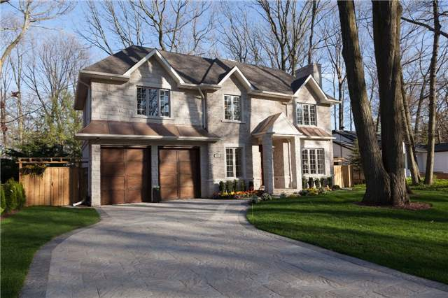 Detached at 122 Hollyrood Heights Dr, Mississauga, Ontario. Image 1