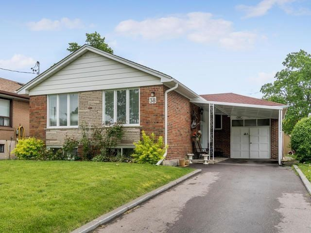 Detached at 38 Heatherglen Rd, Toronto, Ontario. Image 1
