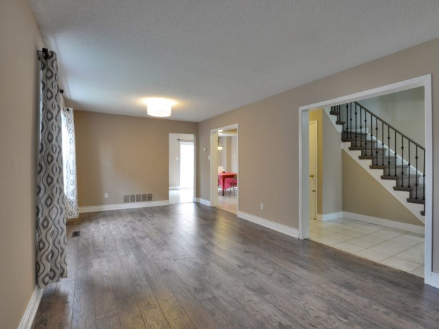 Detached at 3 Danum Rd, Brampton, Ontario. Image 12