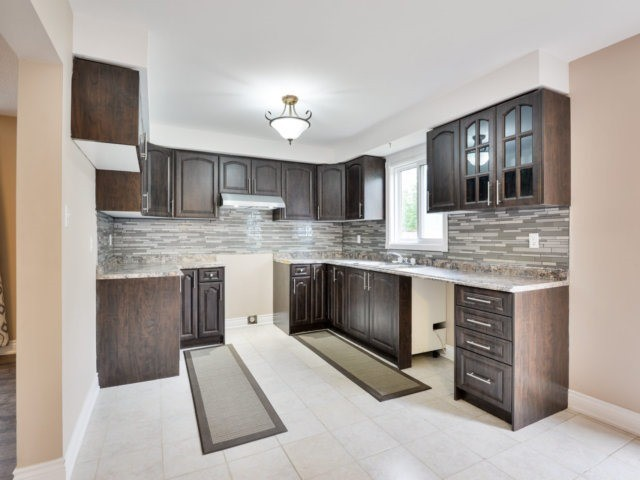 Detached at 3 Danum Rd, Brampton, Ontario. Image 15