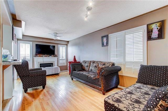 Semi-detached at 23 Mossgrove Cres, Brampton, Ontario. Image 15