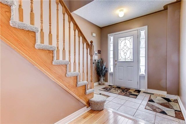 Semi-detached at 23 Mossgrove Cres, Brampton, Ontario. Image 9