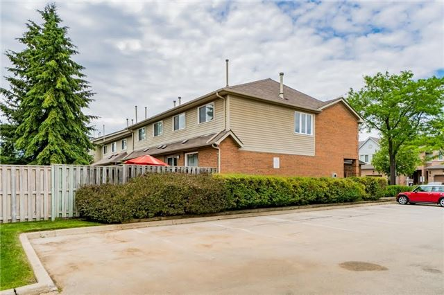 Condo Townhouse at 2550 Thomas St, Unit 61, Mississauga, Ontario. Image 13
