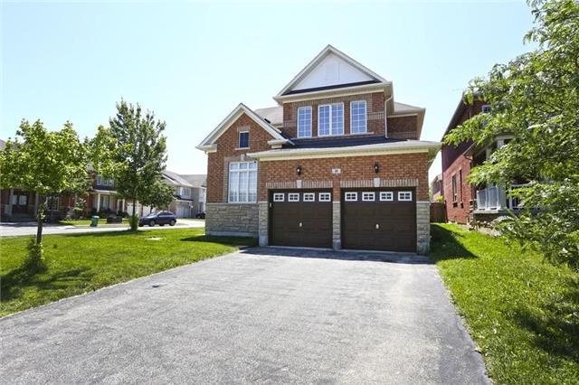 Detached at 16 Stoneylake Blvd, Brampton, Ontario. Image 14