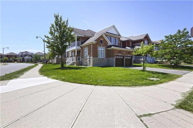 Detached at 16 Stoneylake Blvd, Brampton, Ontario. Image 16