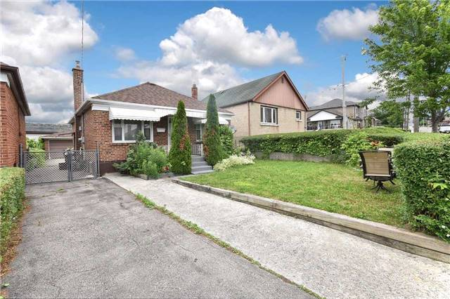 Detached at 96 Lonborough Ave, Toronto, Ontario. Image 12