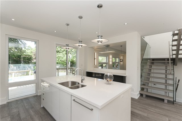 Detached at 189 Arichat Rd, Oakville, Ontario. Image 15