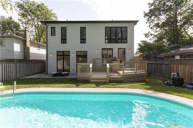 Detached at 189 Arichat Rd, Oakville, Ontario. Image 11
