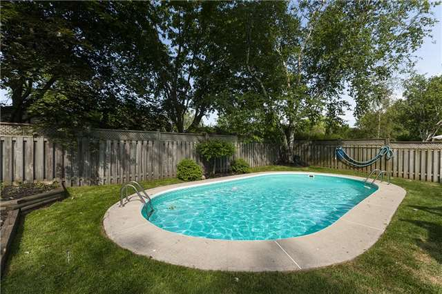Detached at 189 Arichat Rd, Oakville, Ontario. Image 13