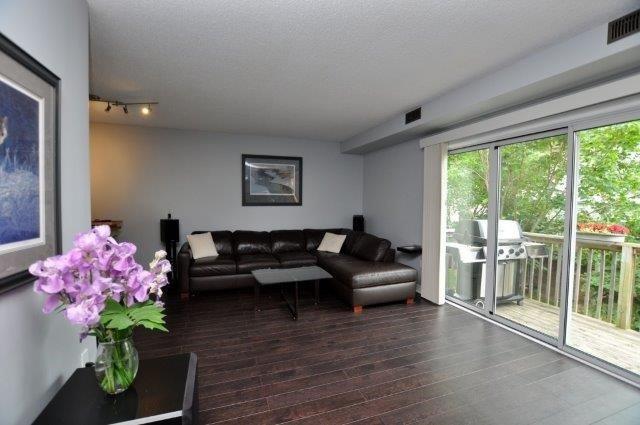 Condo Townhouse at 4045 Upper Middle Rd, Unit 35, Burlington, Ontario. Image 8