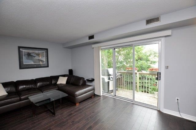 Condo Townhouse at 4045 Upper Middle Rd, Unit 35, Burlington, Ontario. Image 10